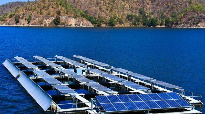 ديوا تطرح مناقصة خدمات استشارية لتطوير محطات طاقة شمسية عائمة في الخليج العربي