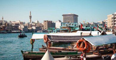 دبي: هيئة الطرق و المواصلات تتعهد بتحول 90% من سيارات الليموزين إلى كهربائية أو هجينة
