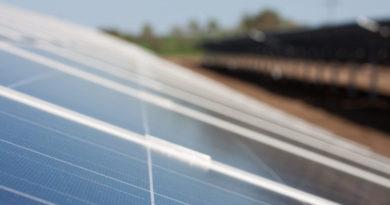 الامارات: أبو ظبي تعلن عن مناقصة أكبر محطة طاقة شمسية في الشرق الأوسط بقدرة 2 جيجاواط