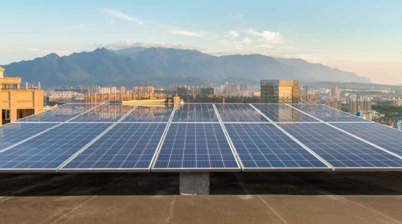 ربط 1354 نظاماً شمسياً كهروضوئياً على أسطح المباني في دبي ضمن مبادرة شمس دبي