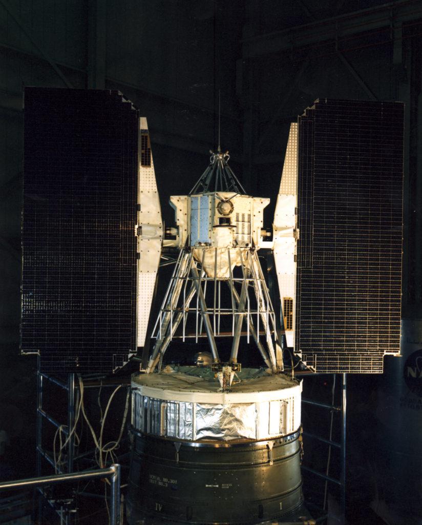 تاريخ الطاقة الشمسية - مكوك نيمبوس 1
