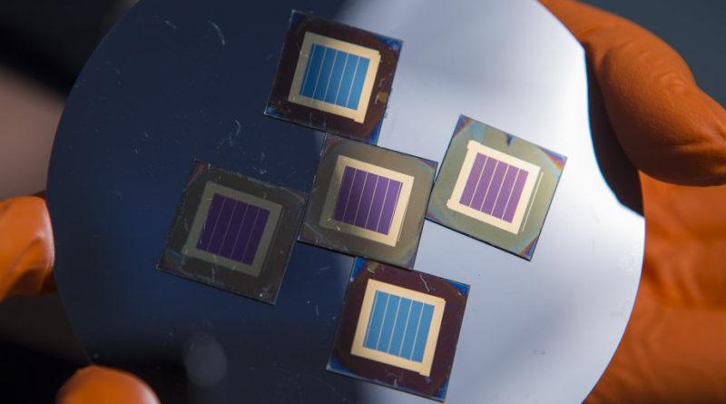 تطورات مذهلة في مجال كفاءة الخلايا الشمسية الكهروضوئية من نوع بيروفسكيت