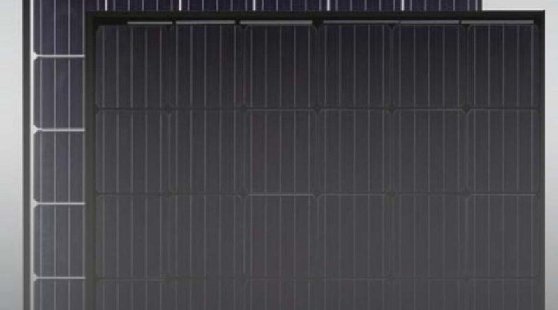 لوح شمسي جديد من جنكو سولار أسود بالكامل بقدرة تصل إلى 405 واط مخصص للقطاع السكني
