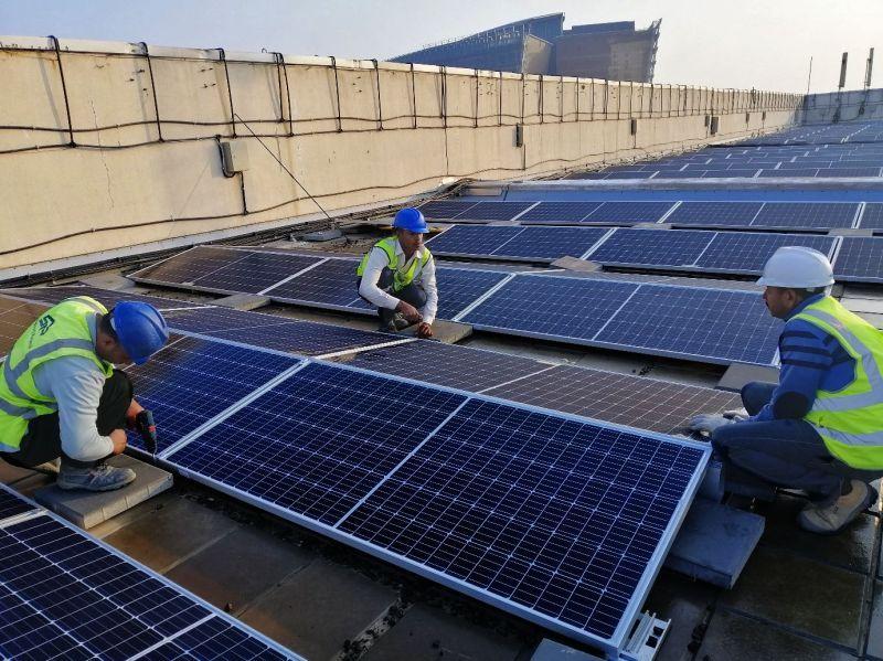 مشروع محطة الطاقة الشمسية على سطح «الهيئة العامة للصناعة»