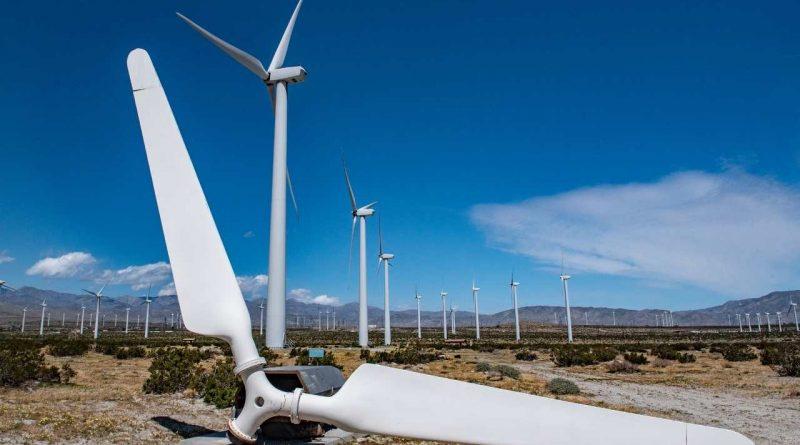 إعادة تدوير عنفات الرياح