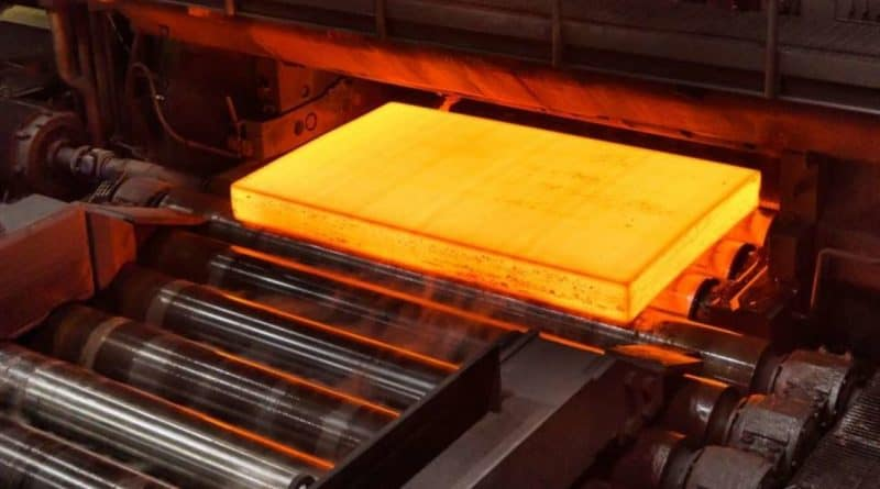 إنتاج وتسليم أول دفعة تجريبية من الفولاذ الخالي من الكربون
